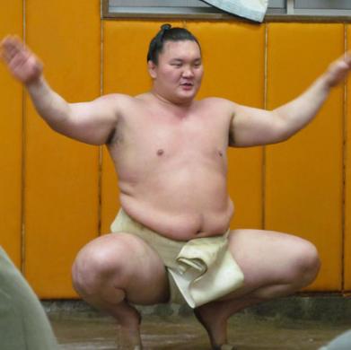 内野守備は相撲の四股と同じ
